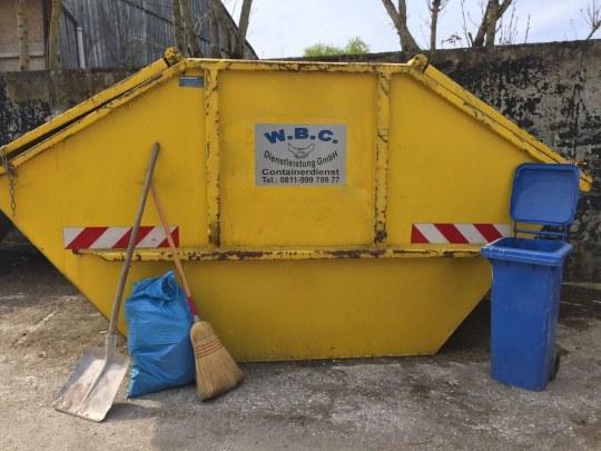 Gartenabfälle / Sperrmüll / Bauschutt / Holz Container für Privat und Gewerbe